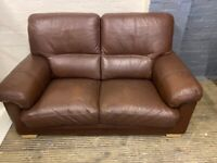 REAL LEATHER SOFA 2 SEATER IN EXCELLENT CONDITION EXTREMELY COMFY FREE DELIVERY