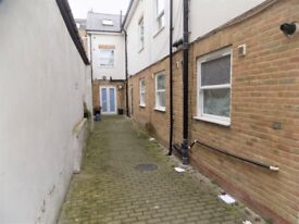 ONE DOUBLE BEDROOM FLAT WITH SEPARATE LOUNGE AND KITCHEN
