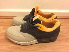 Nike air trainers size 7