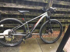 Specialised rockhopper pro mountain bike
