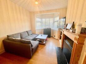 1 Bed Ground Floor With Garden No Parking - Buckingham Road, Edgware HA8