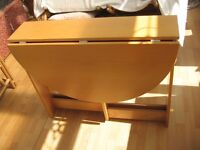 Light Coloured Wood Gate Legged Drop Leaf Table in VGC