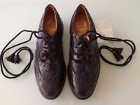 Ghillie Brogues, Size 8