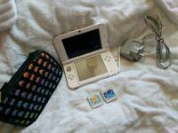 Nintendo 3DS XL. 2 GAMES + CHARGER