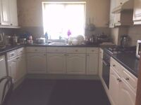 2 DOUBLE Bedrooms South Norwood SE25. £500 pcm including bills.