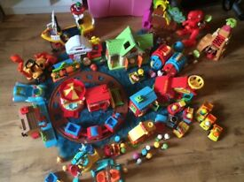 Early learning Happyland comes with figures bakery trainset dinosaur cars