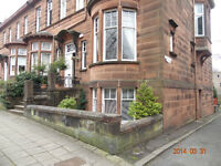 2 bedroom flat West End ,Glasgow. NO C. TAX. living room