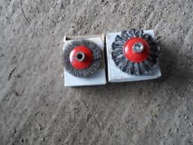 2 Rotary wire brushes.