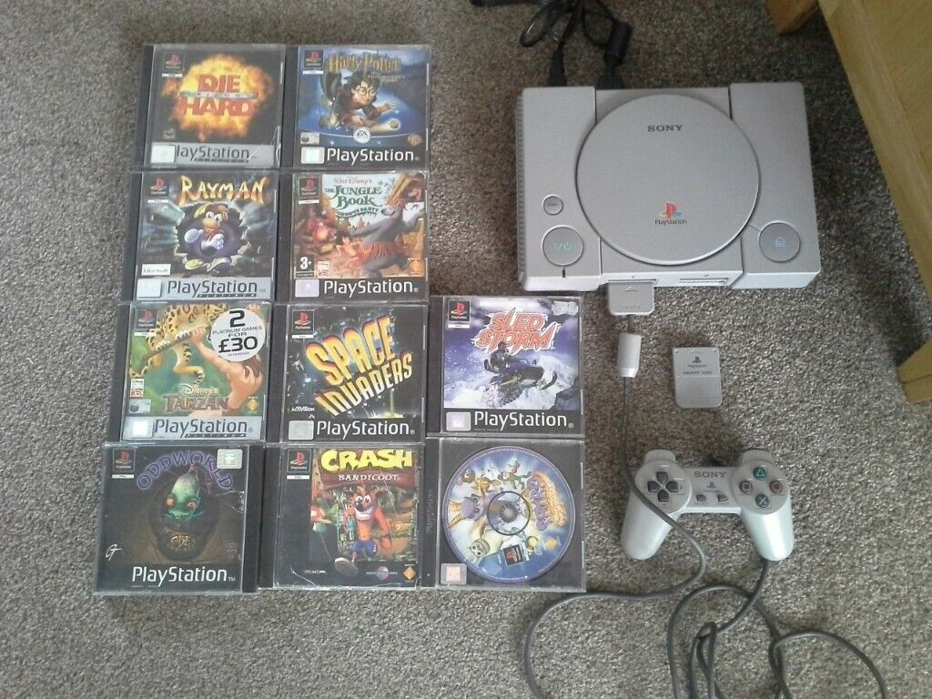 Ps1, 10 games, memory card, controller, crash bandicoot, spyro | in Luton,  Bedfordshire | Gumtree
