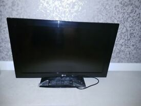 """32"""" LG LCD - Excellent condition"""