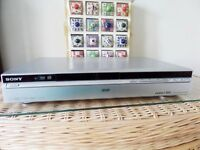 SONY DVD RECORDER PLAYER RDR HXD870 , REMOTE & SCART LEAD & BOOK