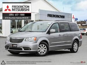 2016 Chrysler Town & Country TOURING! REDUCED! BLURAY! STO N' GO
