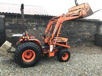 Kubota b8200 compact tractor power loader 4x4 no vat