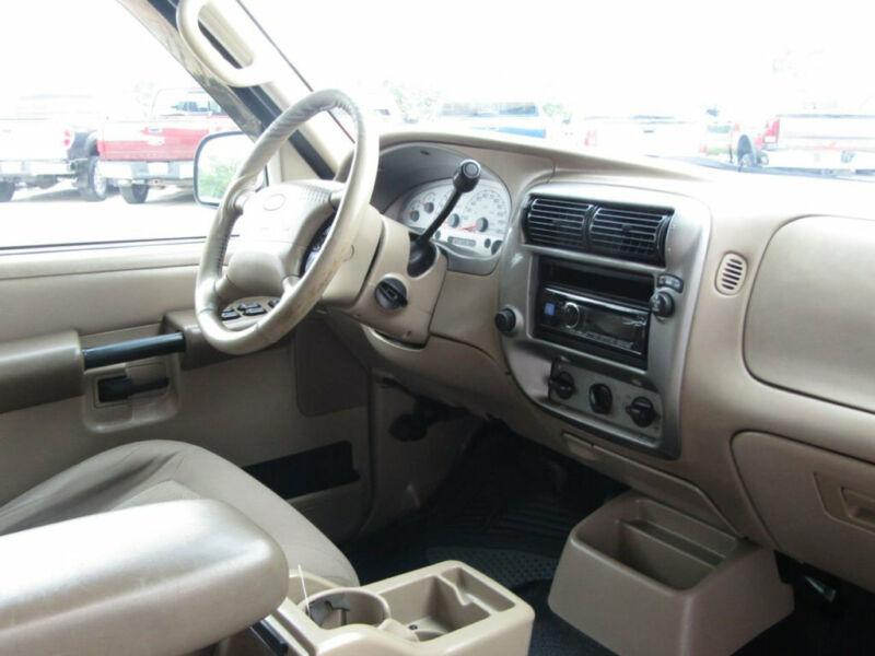 Image 12 Voiture Américaine d'occasion Ford Explorer Sport Trac 2005