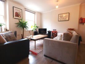 Lovely 1 bed in the heart of Angel with plenty of natural minutes to Angel Station.