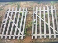 Qty of 5 ft high palisade fencing witcch posts and gates to match!suit high bank or top of wall