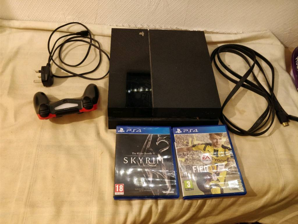 Sony Playstation 4 Ps4 500gb Black 1 Controller 2 Games Fifa 17 Game Skyrim