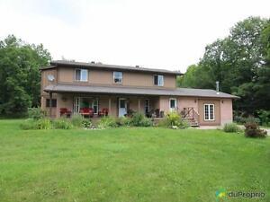 439 000$ - Maison 2 étages à vendre à Wakefield
