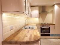 2 bedroom flat in London, London, N4 (2 bed)