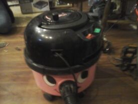 Henry 2 speed 1200w vacume cleaner