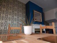 Interior Decorater - lady painter and decorator - murals, painting, wallpaper, interior design