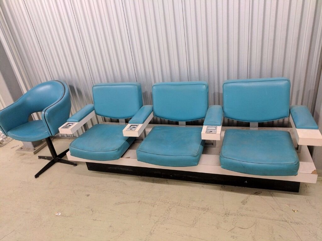 Retro Vintage Cinema Salon Chairs Electric Blue Swivel Chair – Retro Salon Chairs