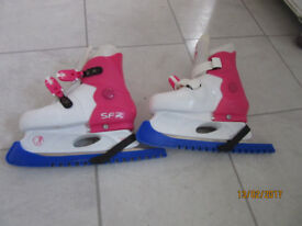 girls' adjustabe ice skate size 9-12(junior)