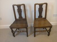 A pair of early 19th century oak kitchen/bedroom/side chairs