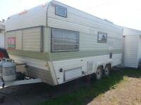 continuous holiday trailer 2000$ obo