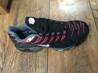 BRAND NEW Nike Tuned 1 Mens size 9