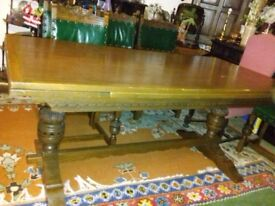Antique refletatry tablle & 8 chairs
