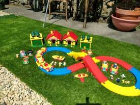 Noddy toy car play set.