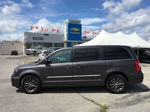 2015 Chrysler Town & Country S WAGON 5DR, LEATHER, DVD, NAVIGATI