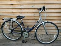 Lovely ladies giant hybrid bike for sale