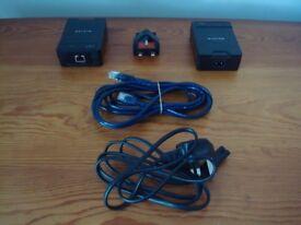*** Belkin F5D4072uk Poweline AV Adaptor, Twin-Pack (200mpbs) Black***