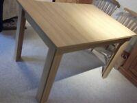 Sherwood extending table