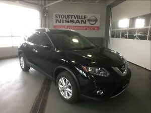 Nissan Rogue sv  nav and 7 seats cpo rates from 1.9% 2014