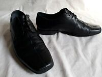 Clarks Black Leather Shoe UK9