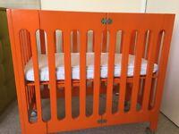 Bloom Alma mini cribs