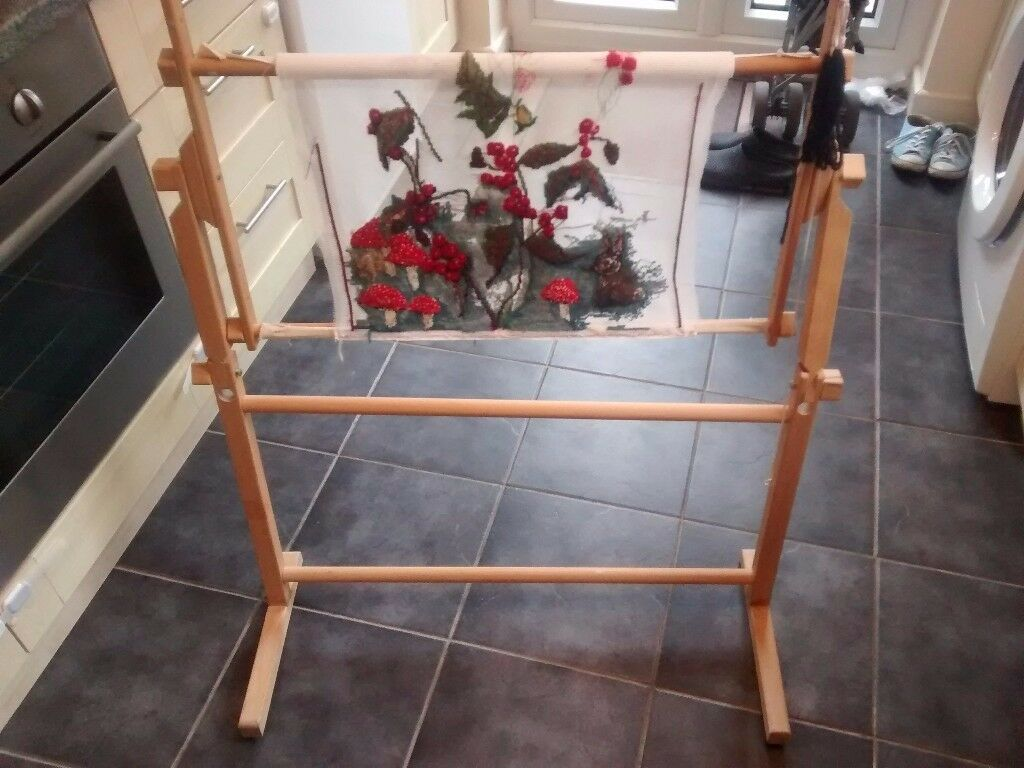 Large tapestry stand
