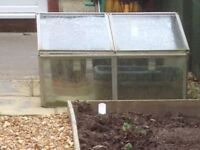 Garden cold frame, glass/aluminium, 90cm x120cm, partly disassembled for easy transporting