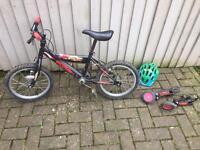 Child's / kids bike with auto adjusting stabilisers and bike helmet