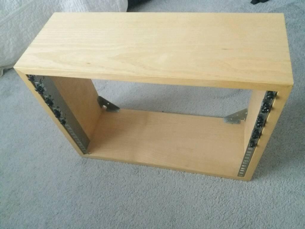 8U light oak studio rack
