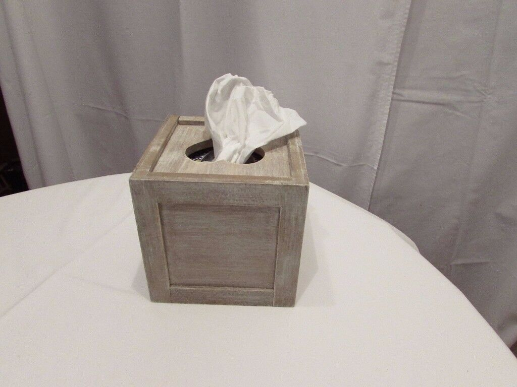 'Giselle Graham' brand new tissue box. Perfect Christmas gift or addition to your home. P&SF home.