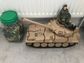 Bundle of army toys inc tank