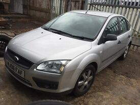 Ford Focus silver diesel breaking for parts / spares - bonnet bumper wings lights Ect