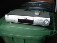 LG CD/DVD Player (Model DVD 4210)