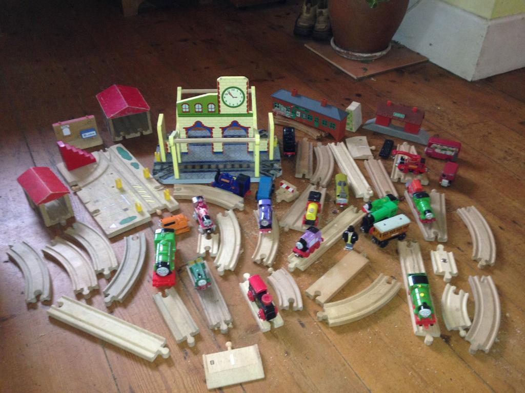 Thomas the tank engine trains and wooden track