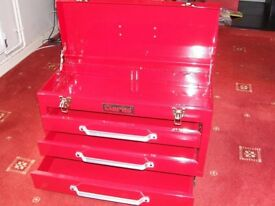 Three-drawer steel tool chest