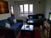 Single room to let in sought after city centre location